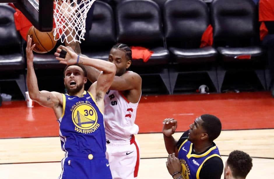 Obliga Warriors sexto juego en Serie Final de NBA