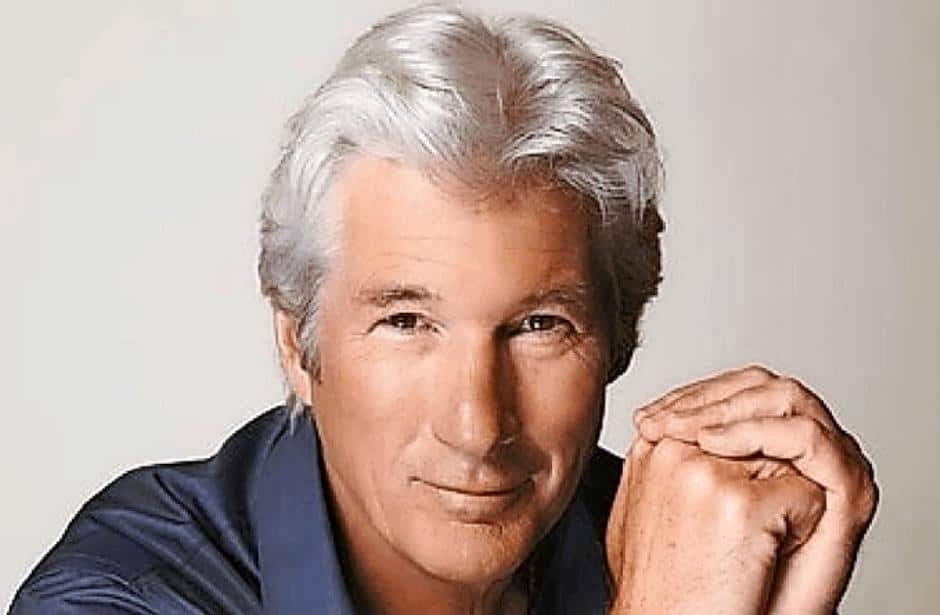 El actor Richard Gere llevó víveres a inmigrantes