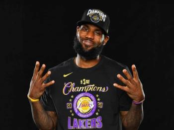 LeBron James seguirá con Lakers hasta 2023